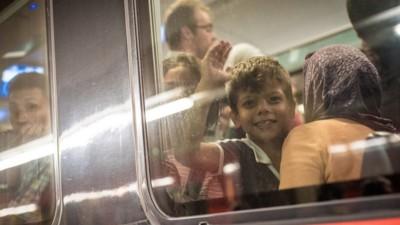 Als die Busse endlich kamen: Unser Bericht vom Flüchtlingsstrom durch Österreich