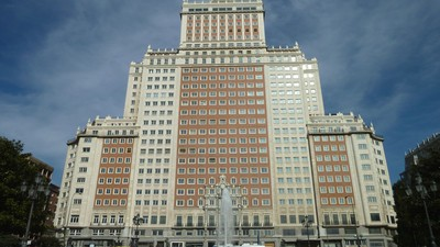 No pongáis vuestras manos sobre el Edificio España