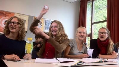 Hoe leerlingen in moderne digitale klassen hun leraren treiteren