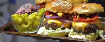 Najlepszy i najbanalniejszy przepis na cheeseburgera