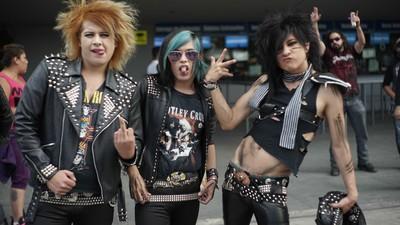 Así son los fans de Mötley Crüe en 2015