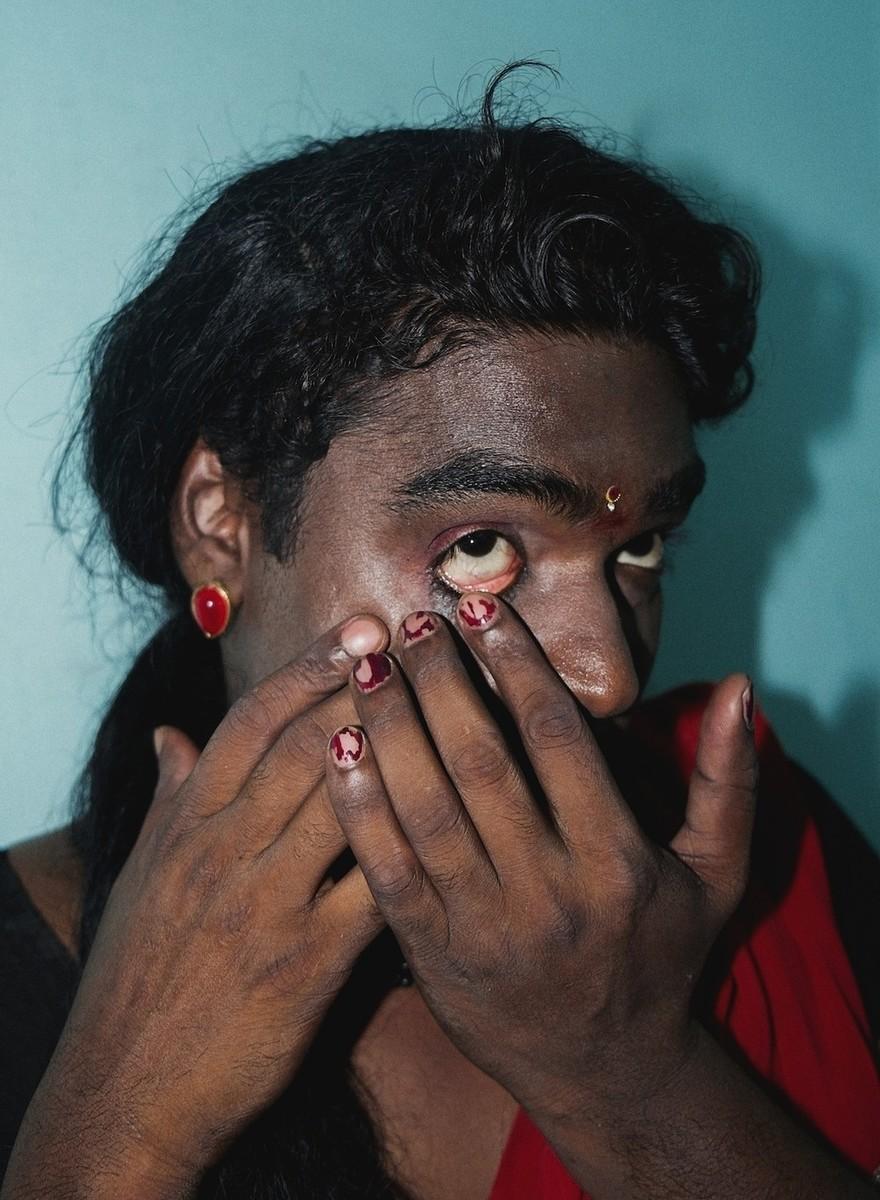 'A Cabeça Perdida e o Pássaro': Um Conto e Ensaio de Fotos