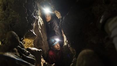 In den engen Höhlen, in denen die neue Art prähistorischer Menschen gefunden wurde