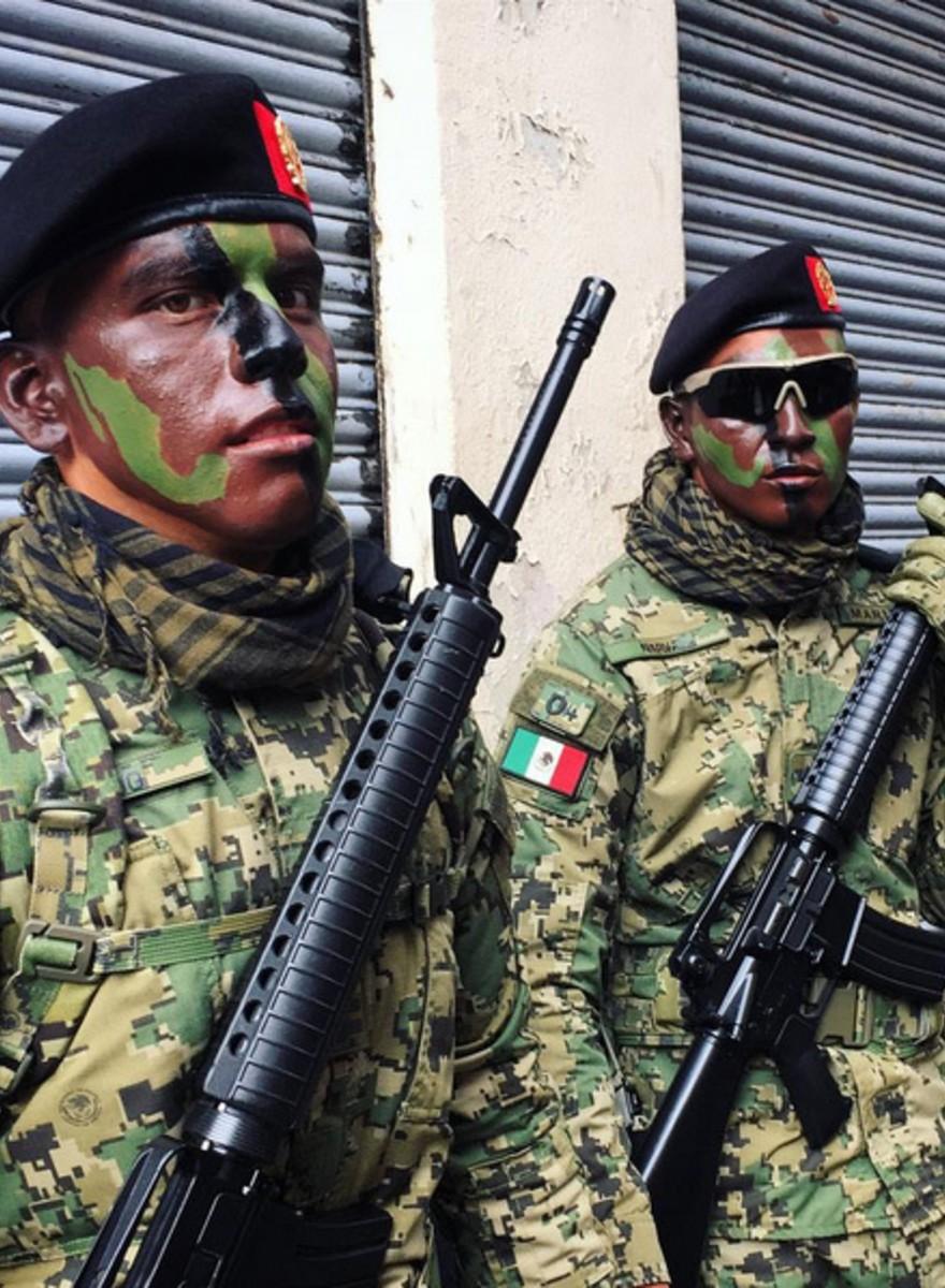Testosterona y uniformes: los soldados más guapos del desfile del 16 de septiembre