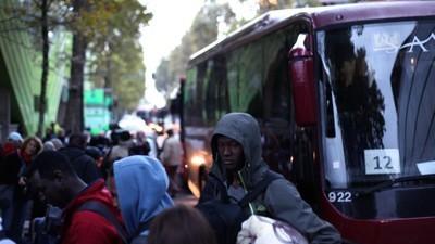 En photos : L'évacuation du campement de fortune des migrants d'Austerlitz