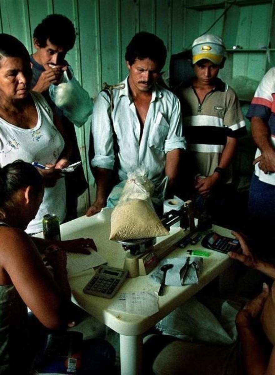 Fotografii cu drumul cocainei de la sursă, la drogați