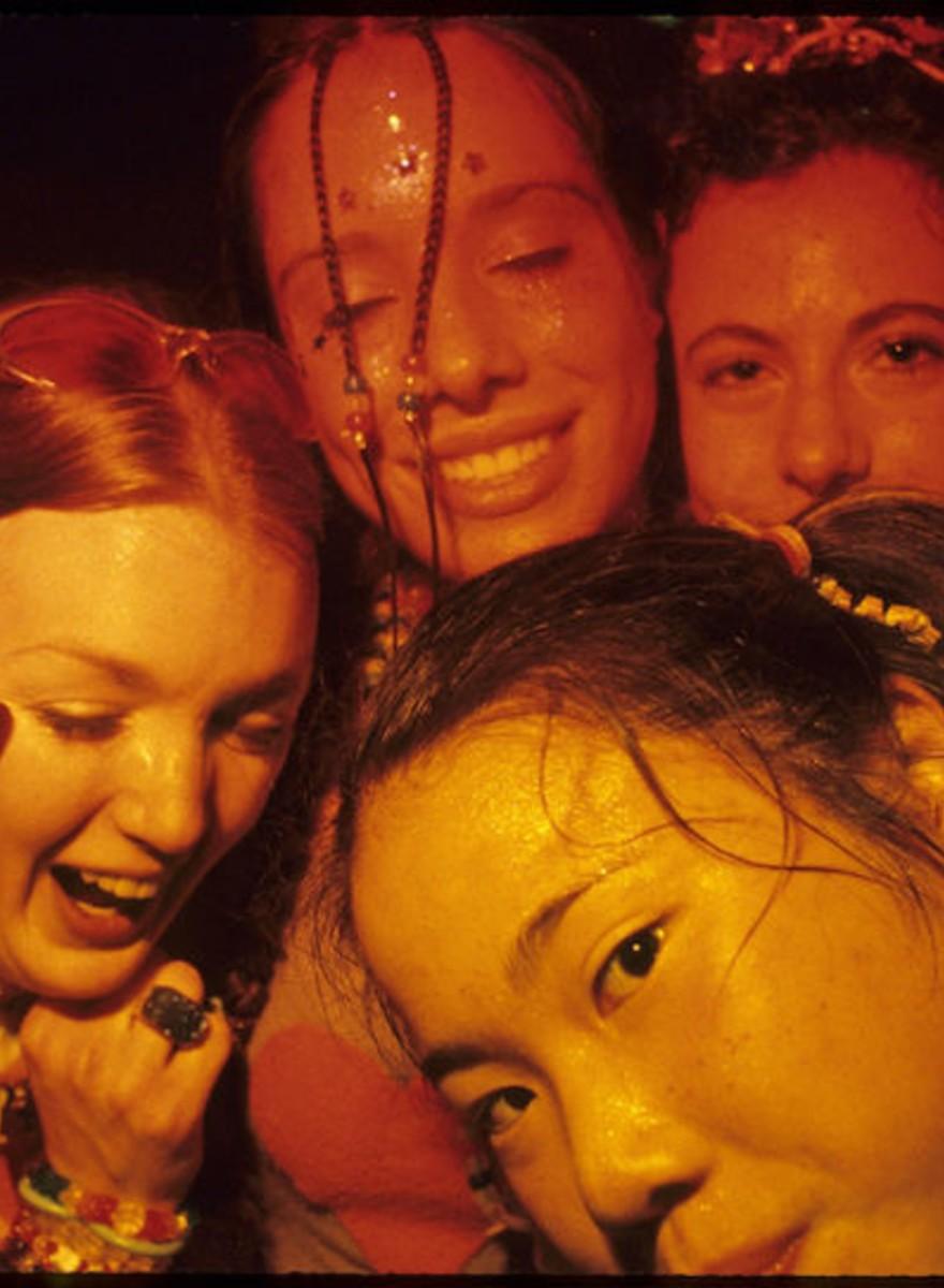 Volte no Tempo com essas Lindas Fotos de Raves dos Anos 90 em Los Angeles
