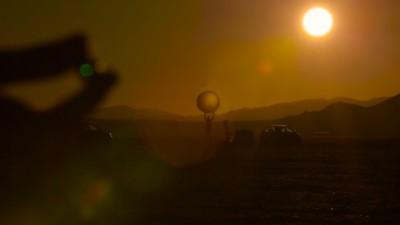 Mitten in der Wüste Nevadas haben zwei Typen unser Sonnensystem nachgebaut