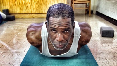 Prison Yoga Is Helping Inmates Transcend Their Cells