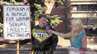 Estos tíos heteros han decidido renunciar a las mujeres