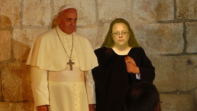 The Pope Met with Anti-Gay Marriage Icon Kim Davis During His US Visit