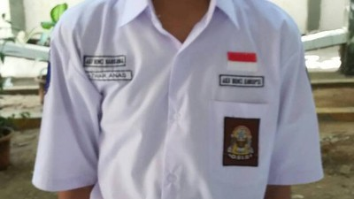 Why Do These Indonesian School Uniforms Have 'I Hate Drugs' Written on Them?