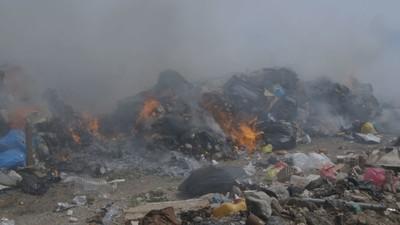 De brandende vuilnisvulkanen van Griekenland