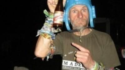 """Een openhartig gesprek met de """"crazy festivaldude"""" die dit weekend zijn eigen festival houdt"""