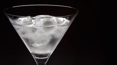Mit Vitaminen angereicherter Wodka soll den Katerqualen ein Ende setzen