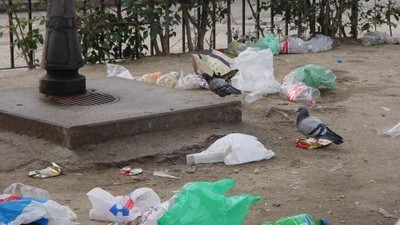 ¿Qué opinan los estudiantes de Madrid sobre tener que limpiar sus botellones?