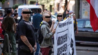 Neonazis covern jetzt Popsongs, um ihre Parolen zu verbreiten