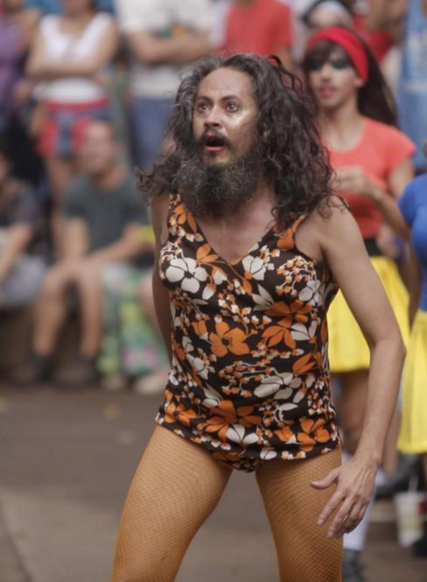 Fotografii cu transsexuali brazilieni care joacă dodgeball