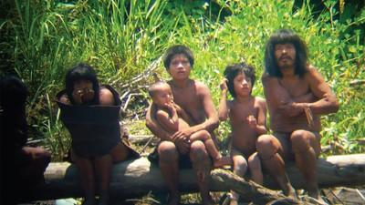 Peru entsendet Boten zu unkontaktiertem Stamm