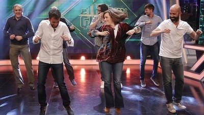 El baile de Sáenz de Santamaría dice mucho de los políticos españoles