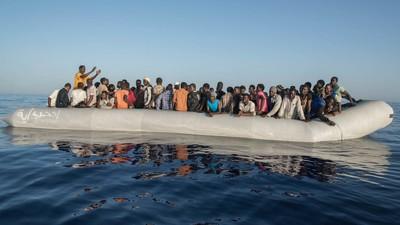 Aktivisten wollen deutsche Abgeordnete in einem Flüchtlingsboot auf die Spree schicken