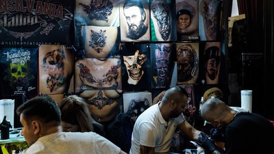 Am fost la International Tattoo Convention, din București, și l-am găsit pe Arsenie Boca