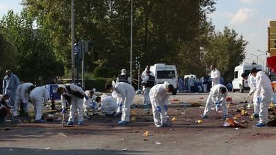 Turcii sunt furioși pe guvern, după cel mai cumplit atac terorist din istoria țării