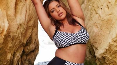 La modelo Denise Bidot está orgullosa de sus curvas