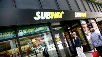 Police Suspect a Woman Who Got Naked and Decimated a Subway Restaurant Was High on Spice