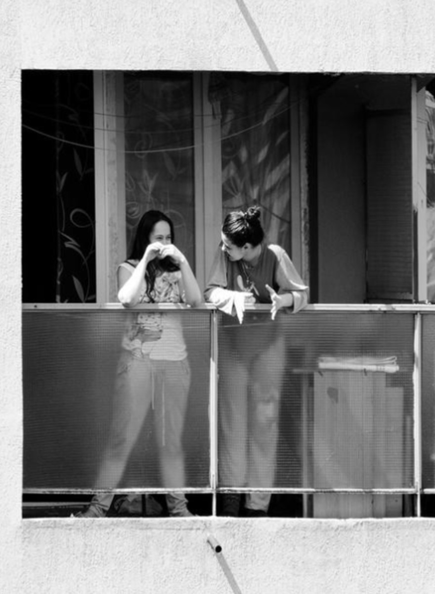 Voyeuristic, Surprisingly Sweet Photos of Students Hanging Out on Their Dorm Balconies