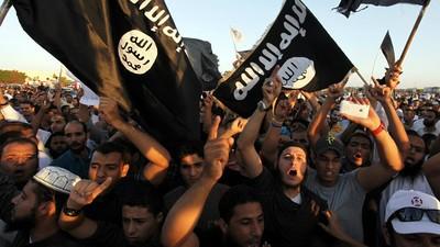 Arrastrado por un coche hasta la muerte, el último macabro vídeo de Estado Islámico