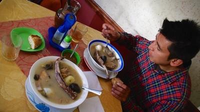 Cum am mâncat supă de penis de taur ca leac pentru mahmureală