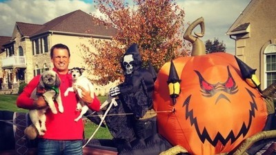 ESPN Analyst and NBA Veteran Tim Legler Is Obsessed with Halloween
