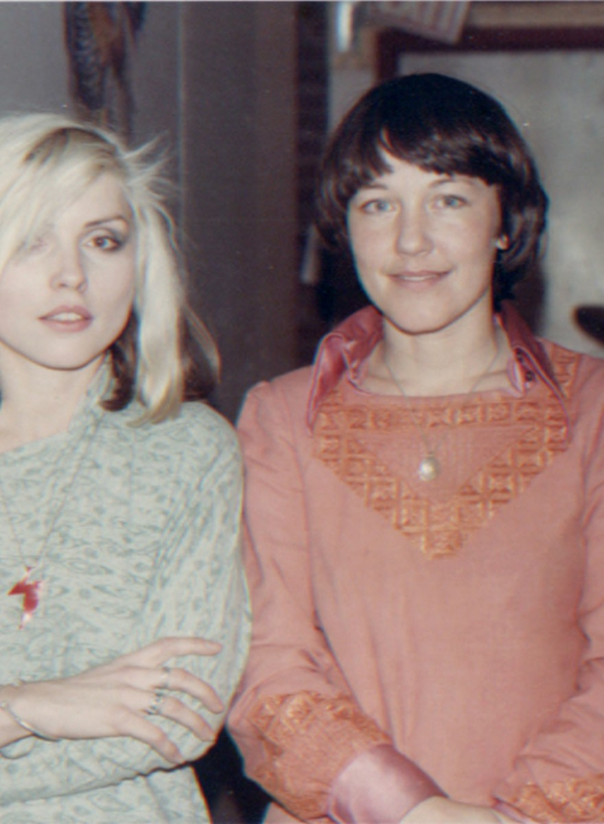 De Ramones, Blondie en Bettie Ringma: vergeelde fanfoto's van punkhol CBGB