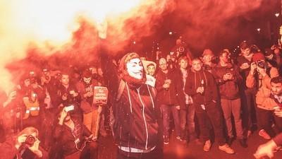 Bilder von den Ausschreitungen beim Million Mask March in London