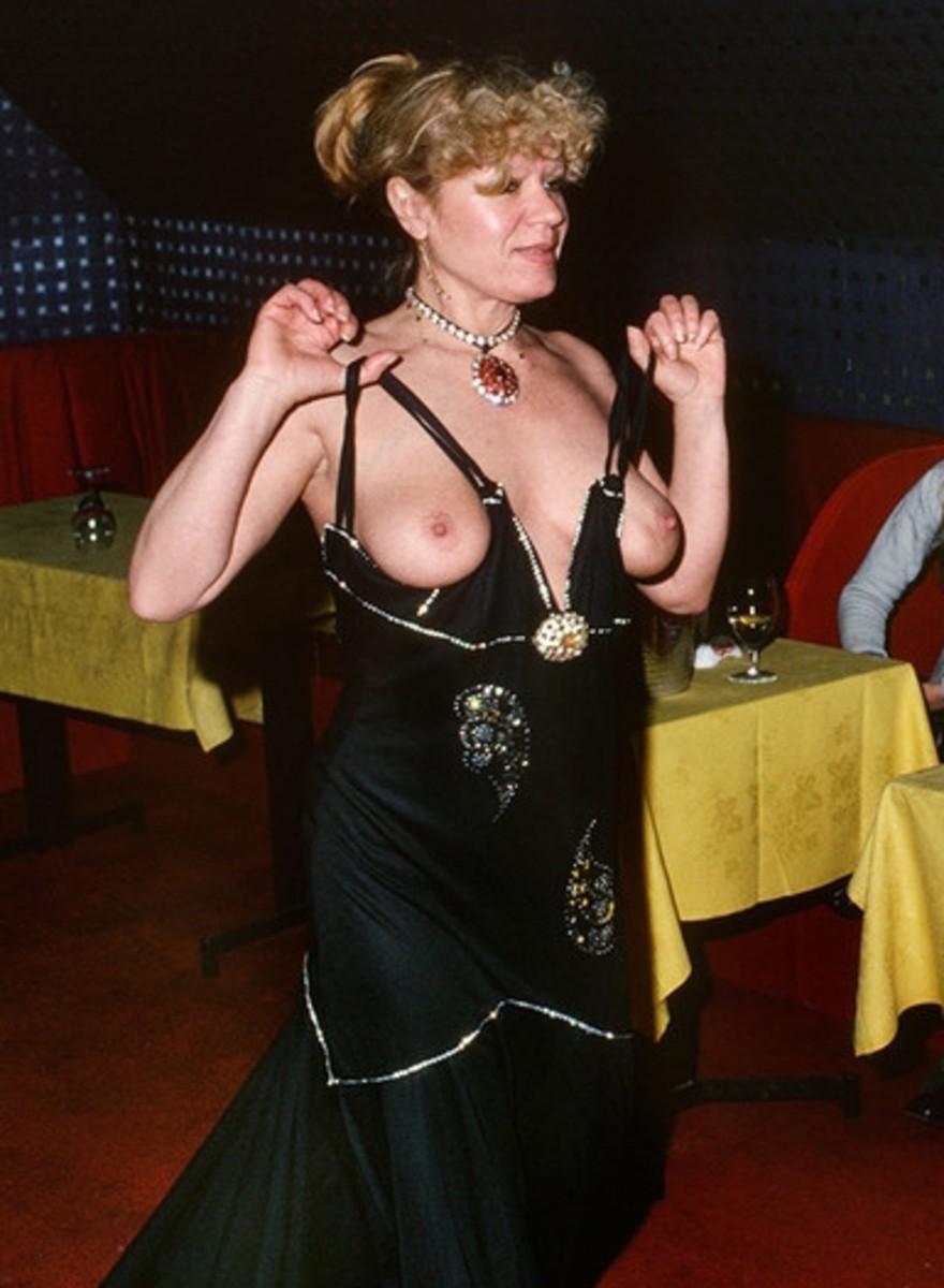 Fotos de las bailarinas los puticlubs de París de los 70