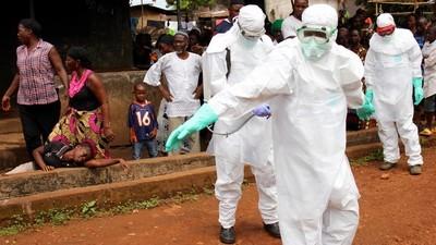 In Sierra Leone zijn de ebolavrijwilligers van het Rode Kruis paria's geworden