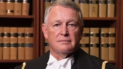 """Ein kanadischer Richter fragt Vergewaltigungsopfer, warum sie nicht """"die Beine geschlossen halten"""" konnte"""
