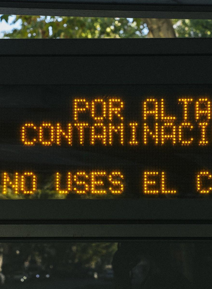 Fotos del primer día que se prohíbe aparcar en el centro de Madrid