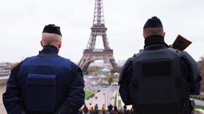 Care sunt consecinţele stării de urgenţă din Franţa