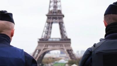 De ce a atacat Statul Islamic Parisul și cum vor riposta Franța și NATO?
