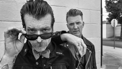 Die neue Aktion Arschloch: Die Eagles Of Death Metal sollen auf die Eins charten