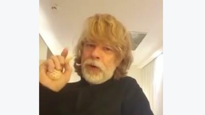 Helge Schneider reagiert auf die Terrordrohung in Hannover