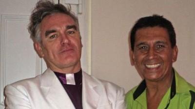 Yo vestí (y desvestí) a Morrissey de sacerdote