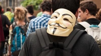 Cosa può fare Anonymous contro l'ISIS?