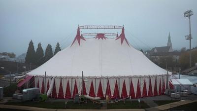 So sieht es hinter den Kulissen eines Zirkus aus