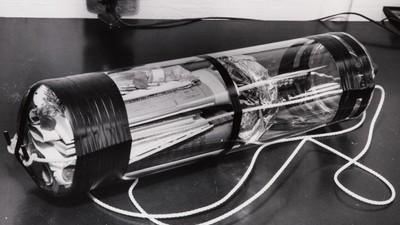 Lo staff del MIT ha aperto una capsula del tempo con 942 anni di anticipo