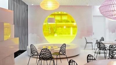 El diseño de este coffee shop representa los altibajos de fumar un porro