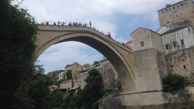 Bosnia's Bridge Divers Risk Their Necks for Tips and Thrills