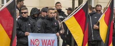 Eine ganz normale Woche in Deutschland: Hakenkreuze, Böller und Gewalt gegen Flüchtlinge